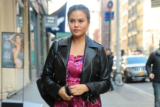 "Chrissy Teigen ""Ready"" for the Possibility of Postpartum Depression Leads Today's Star Sightings"
